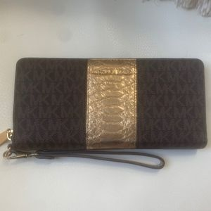Michael Kors Money Pieces Wallet